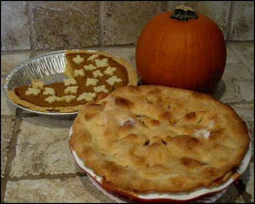 Pumpkin_and_Apple_PIE_112609
