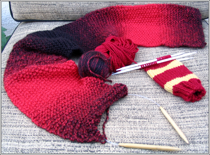 Red_scarf_project__gryffindor_ipod_