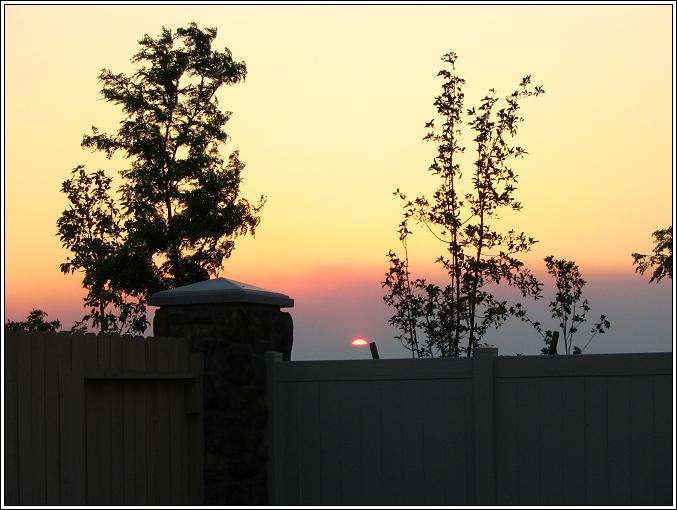 Smoky_sunset_62308