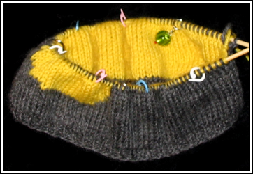 Double_knit_duckie_hat